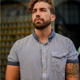 Kortermede skjorter til herre
