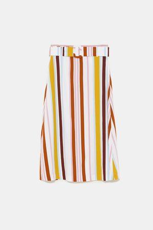 Zara Stripet midiskjørt med belte