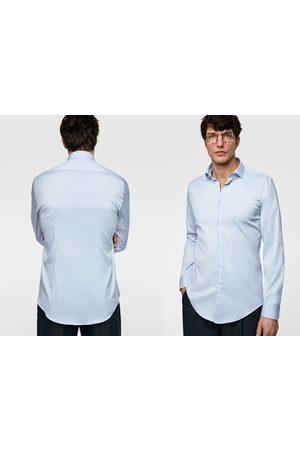 Zara Skjorte med struktur og mansjettknapper