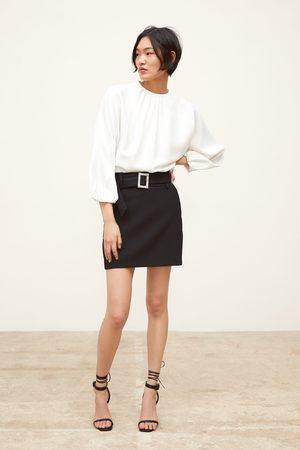 Zara Miniskjørt med belte med juvel