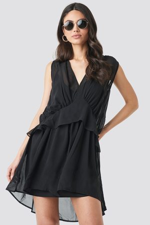 NA-KD Short Chiffon Dress