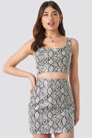 NA-KD Dame Miniskjørt - Snake Printed PU Mini Skirt