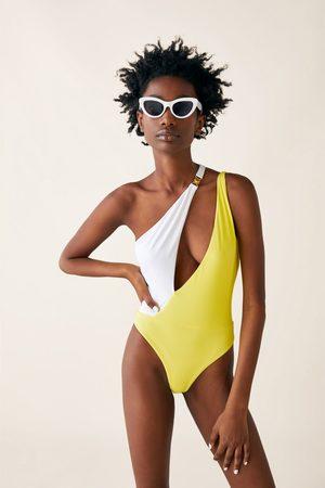 Zara Asymmetrisk badedrakt i kontrastfarger