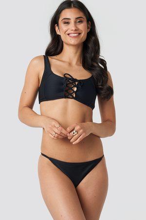 NA-KD Dame Bikinier - Thin Strap Ribbed Bikini Panty