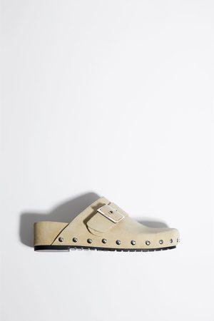 Zara Flat sko i semsket skinn med spenne