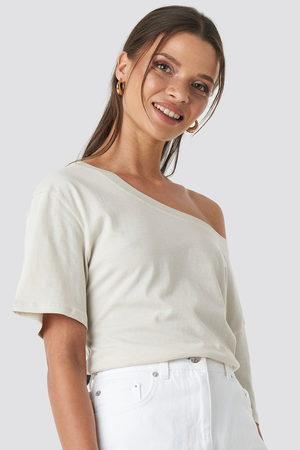 NA-KD One Shoulder T-shirt