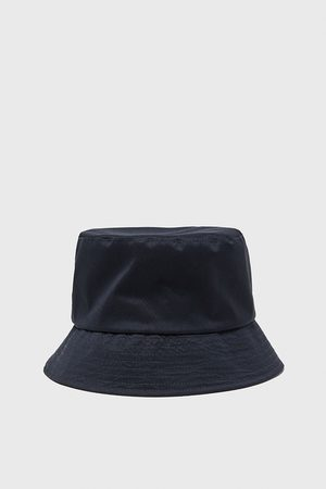 Zara Hatter - Vannavstøtende hatt traveler