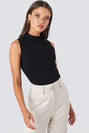 NA-KD Dame Pologensere - Turtle Neck Sleeveless Top