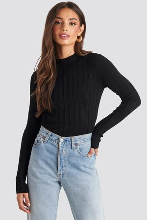 NA-KD Dame Gensere - Ribbed High Neck Knitted Sweater