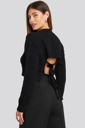 NA-KD Dame Gensere - Cropped Cable Open Back Sweater