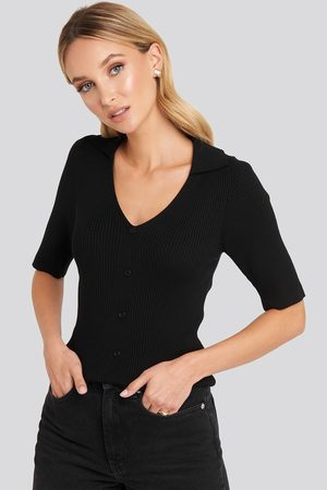NA-KD Ribbed Knitted Buttoned Top