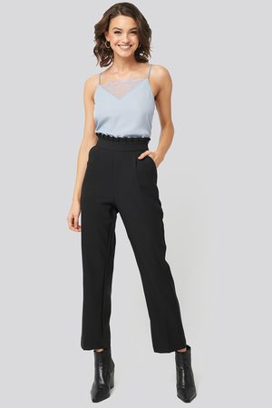 Nadine x NA-KD Dame Chinos - Pleat Detail Suit Pants