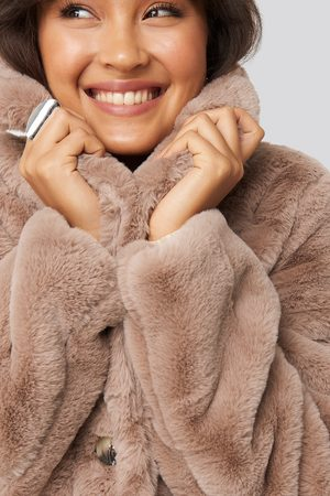 NA-KD Dame Pelsjakker - Colored Faux Fur Short Coat