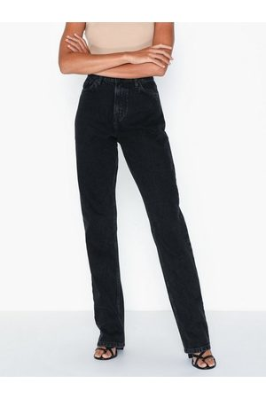 NLY Trend Dame Straight - Cheeky Fit Long Leg Denim