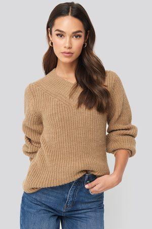 NA-KD Wide Band V-Neck Ribbed Sweater