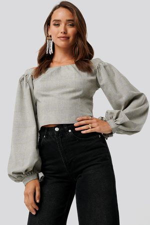 NA-KD Off Shoulder Puff Sleeve Checked Top
