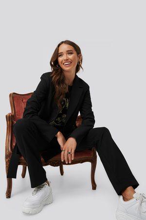 Erica Kvam x NA-KD Dame Blazere - Front Tie Oversized Blazer
