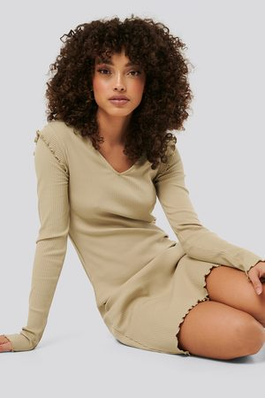 NA-KD Ribbed V Neck Shoulder Detail Dress