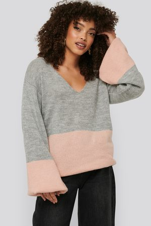 NA-KD Dame Strikkegensere - Two Coloured Puff Sleeve Sweater