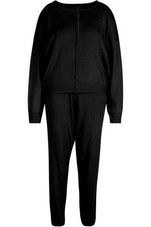 Boohoo Plus Zip Through Knitted Loungewear Set