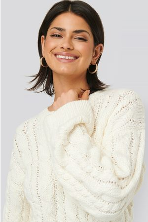 NA-KD Dame Strikkegensere - Cable Knitted Round Neck Sweater