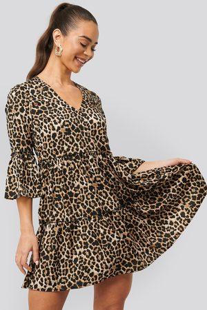 NA-KD Dame Festkjoler - V neck Ruffle Dress
