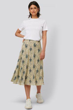 NA-KD Dame Midiskjørt - Flower Printed Skirt
