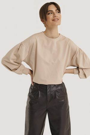 NA-KD Dame Topper - Oversized Puff Sleeve Top