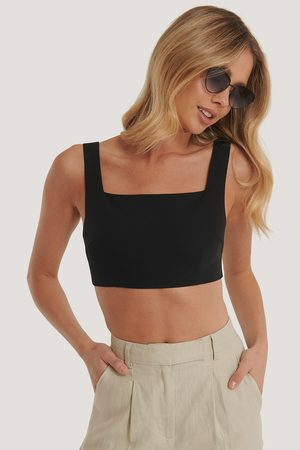 NA-KD Tailored Cropped Top