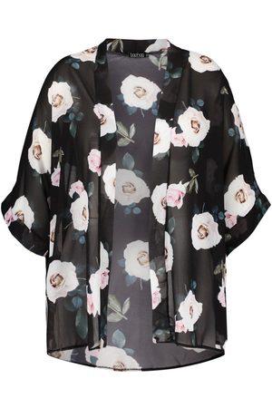 Boohoo Plus Rose Floral Kimono