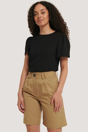 NA-KD Wide Bermuda Shorts