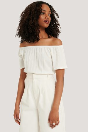 NA-KD Off Shoulder Smock Detail Top