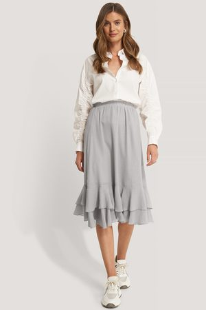 NA-KD Structured Flounce Midi Skirt
