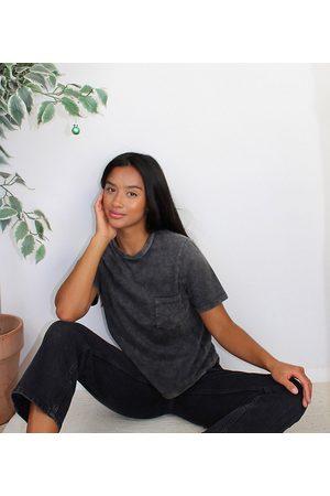 ASOS ASOS DESIGN Petite High rise stretch 'slim' straight leg jeans in black
