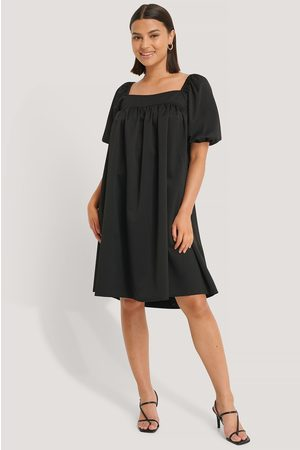 NA-KD Structured Square Neck Dress