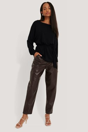 NA-KD Long Sleeve Belted Top