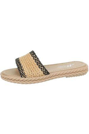 Mulanka Sandals