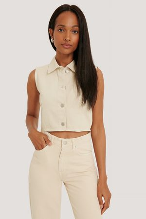 NA-KD Buttoned Crop Top