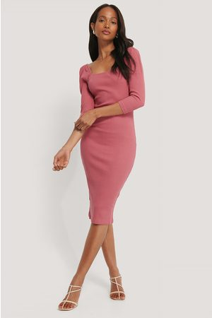 NA-KD Dame Strikkede kjoler - Square Neck Puff Sleeve Rib Dress
