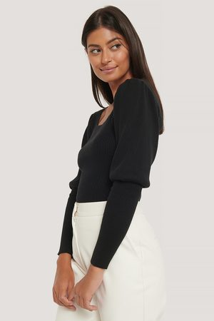 Misslisibell x NA-KD Puff Sleeve Knitted Top