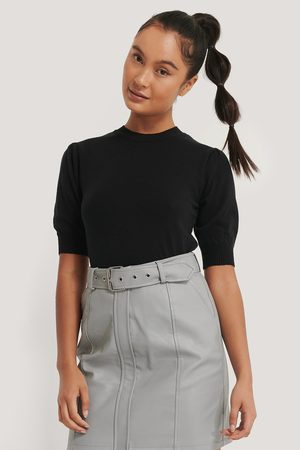 Misslisibell x NA-KD Short Sleeve Knitted Top