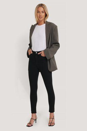 NA-KD Skinny High Waist Open Hem Jeans