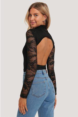 NA-KD Dame Lingerie - Open Back Lace Body
