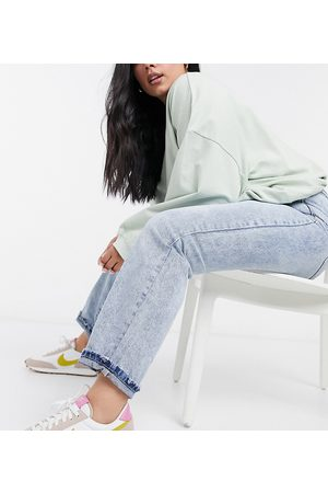 Urban Bliss Straight leg jeans in mid wash blue
