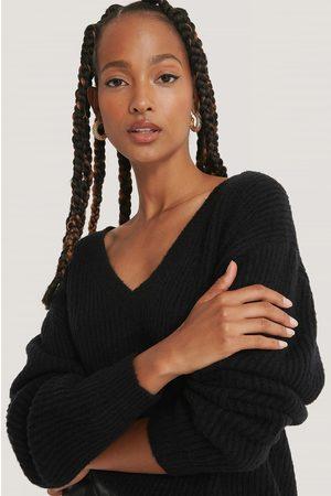 NA-KD Oversized V-neckline Sweater