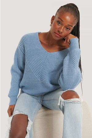 NA-KD V-Neck Detailed Knitted Sweater