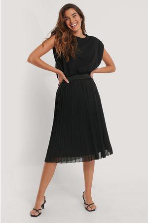NA-KD Midi Pleated Skirt
