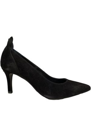 Front Society Pumps