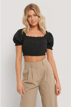 NA-KD Cropped Frill Top