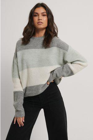 NA-KD Dame Strikkegensere - Color Striped Knitted Sweater